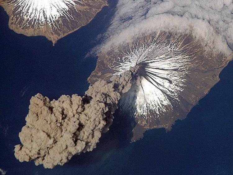 8. An Alaskan Volcano Erupts