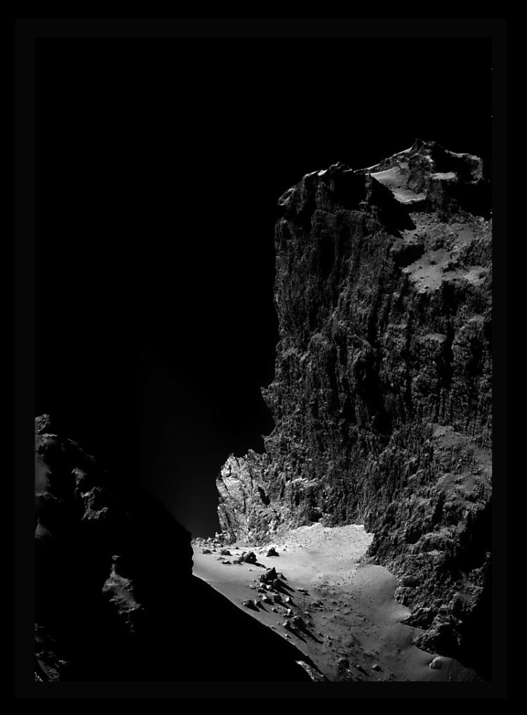 4. The Cliffs of Comet Churyumov-Gerasimenko