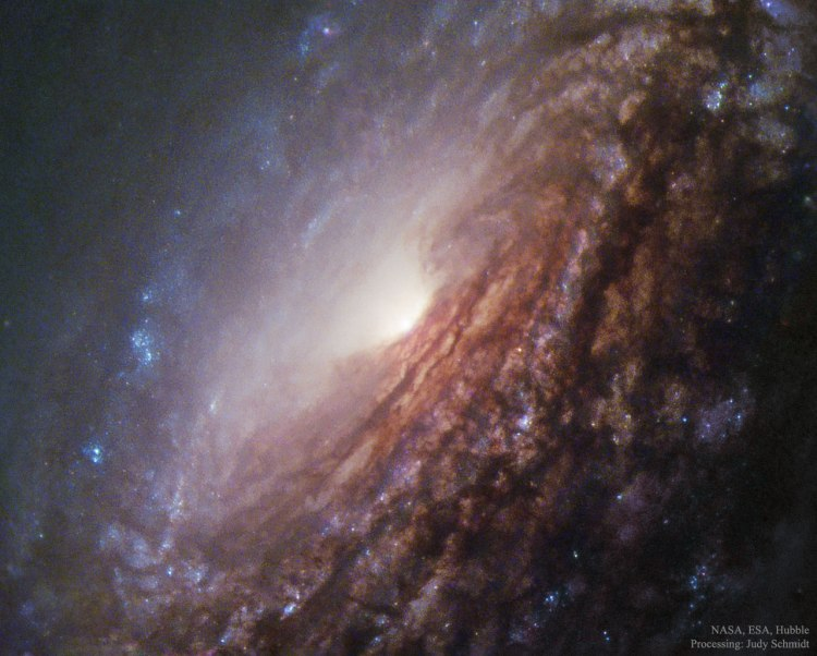 In the Centre of Spiral Galaxy NGC 5033