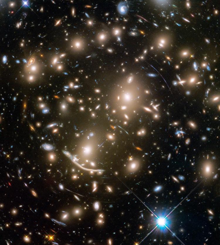 STSCI-HST-abell370_1797x2000