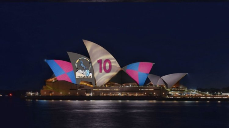 Sydney_Opera_House_in_racing_colours